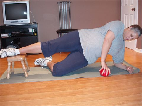 9 Months Pregnant Side bridges are a staple, especially prenatally, strengthening the core through obliques, hips and shoulders.
